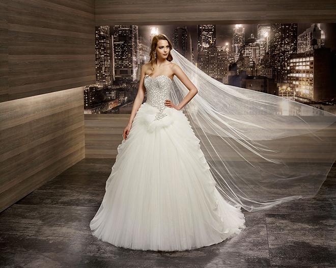 Abiti da Sposa  vi presento Romance Nicole Spose 7149a49939a